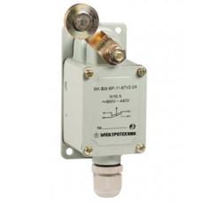 Выключатель концевой ВК-300-БР-11-67У2-22, рычаг с роликом, с сальником, ход влево, cамовозврат, ступень 2- 51мм, IP67